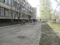 Уборка западной стороны школы